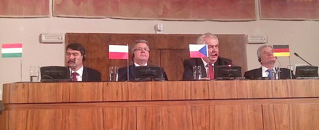 Platform commemorates 25 years since the Velvet Revolution in Czechoslovakia
